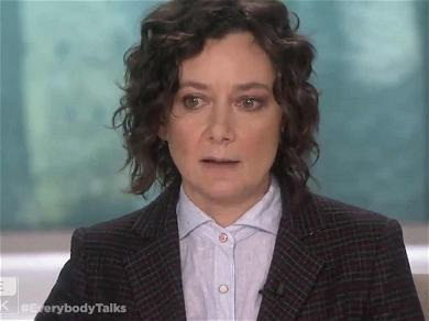 Sara Gilbert Breaks Down in Tears While Saying Goodbye to 'The Talk'