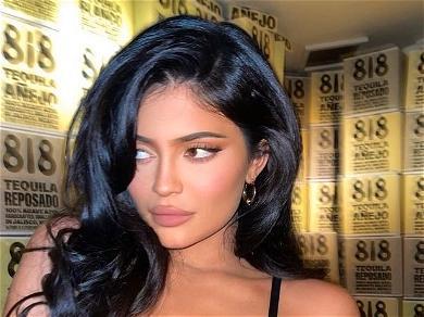 Kylie JennerIs Reportedly 'Very Happy' With Travis Scott