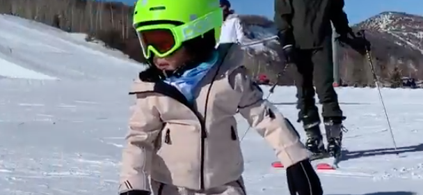 Kylie Jenner's 2-Year-Old Daughter SHREDS  In Amazing Snowboarding Video!
