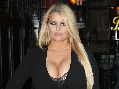 Jessica Simpson Wows Instagram With 100-Pound Weight Loss On Ski Trip