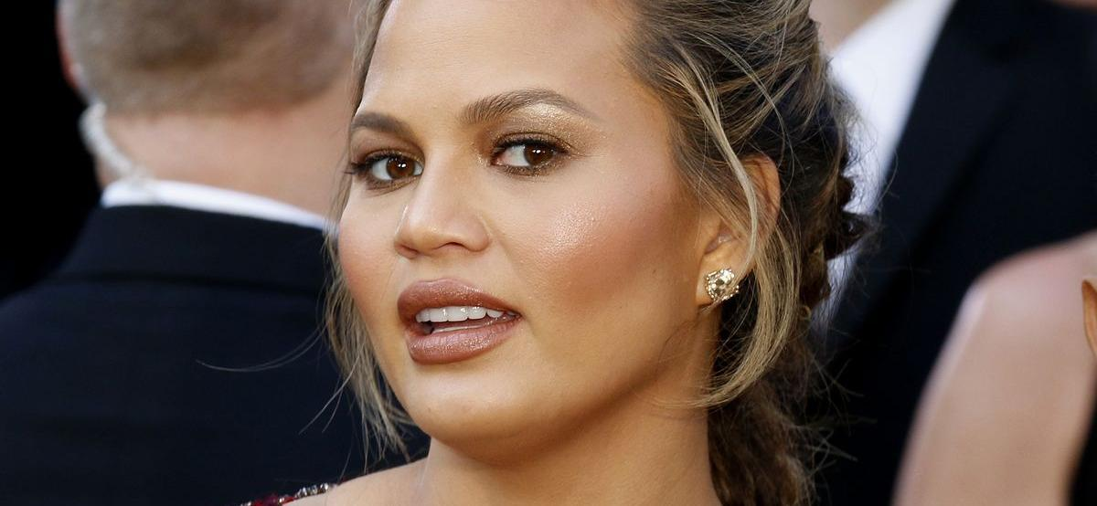 Chrissy Teigen Reveals She 'Didn't Have A Bank Account,' Amid Bullying Scandal