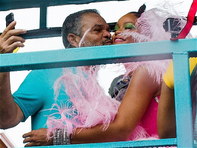 Rihanna Makes Nice With Her Dad In Barbados Amid Nasty Lawsuit