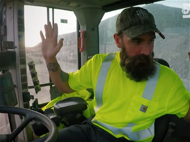 'Gold Rush' Parker Schnabel Flips Out When Rookie Almost Wrecks Wash Plant