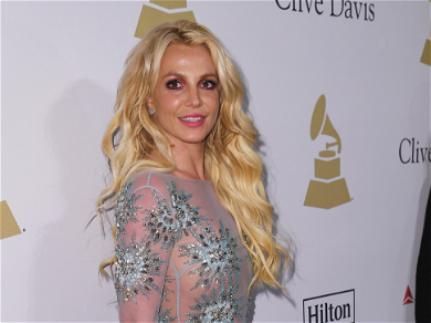 Britney Spears Goes on Vacation Amid Abuse Allegations Between Her Father & Son
