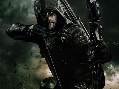 Rumors Of Charlie Hunnam As Green Arrow In A DC Universe Film Heat Up