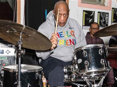 Bill Cosby Came Back To the Stage With a Bang