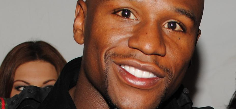 $11,000 Burning A Hole In Your Pocket? Floyd Mayweather Can Show You What To Do With It