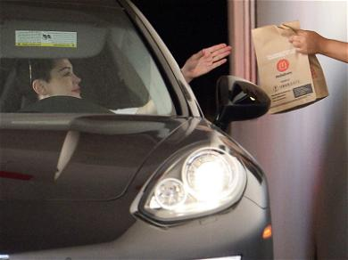 Rose McGowan Risks Pricey Porsche to Satisfy Fast Food Craving