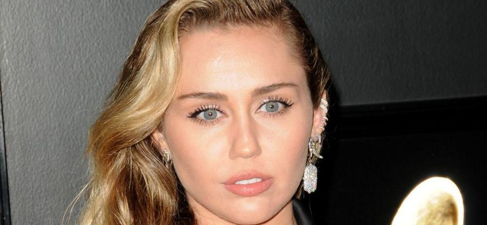 Miley Cyrus Caught Topless In Late-Night Bath Soak