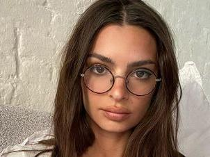 Emily Ratajkowski Forgets Her Shirt On Instagram To Kick Off The Weekend