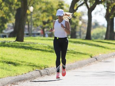 Reese Witherspoon Jogging