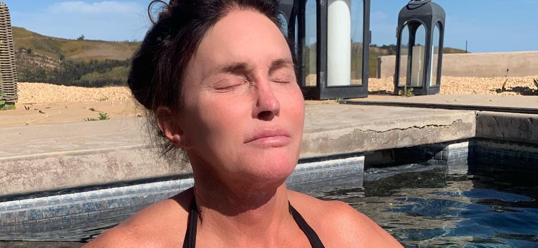 Caitlyn Jenner Beats the Heat With a Dip in the Pool