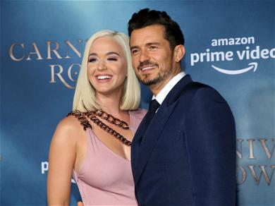 Katy Perry And Orlando Bloom Take An Adorable Birthday Photo In Egypt