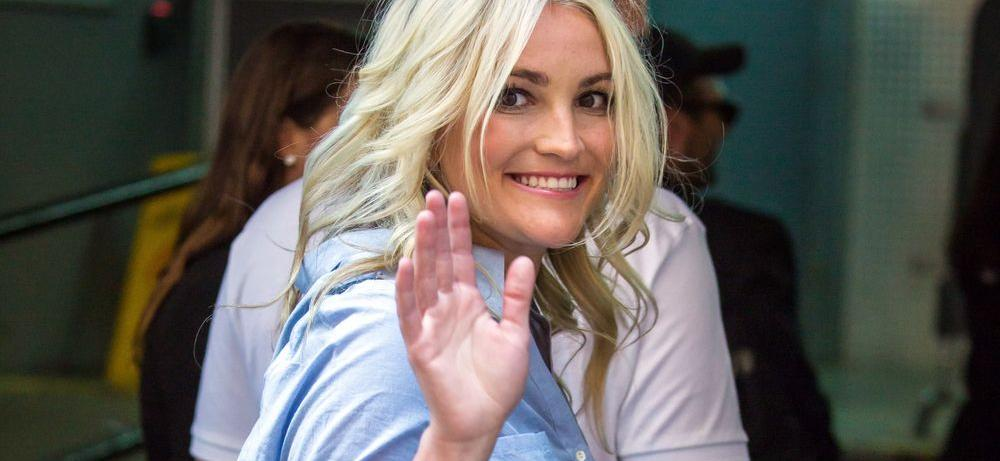 Britney Spears' Little Sister Jamie Lynn Is A Leggy Babe In 'Lady Trucker' Pics