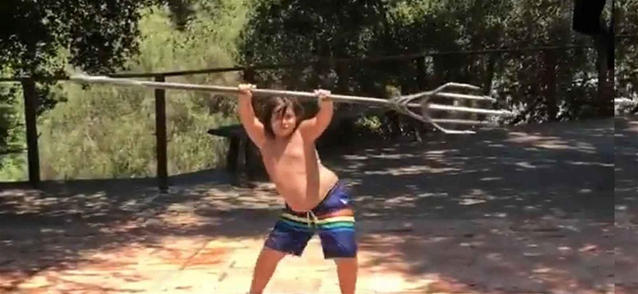 Jason Momoa Lets Kids Play With 'Aquaman' Trident