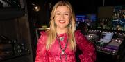 Kelly Clarkson Breaks Social Media Silence In First Tweet Since Divorce Filing