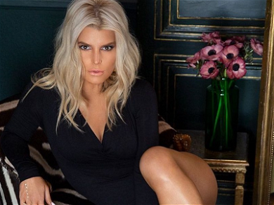 Jessica Simpson Admits She's A Fake Blonde With Smiling Dye-Job
