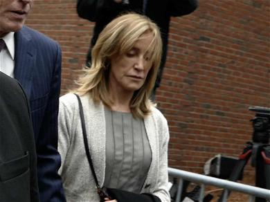 Felicity Huffman Tears Up as She Enters Guilty Plea in College Admissions Scandal