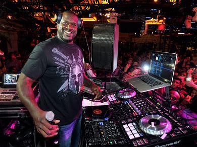 Shaq Air-Humps the Night Away In Las Vegas Nightclub