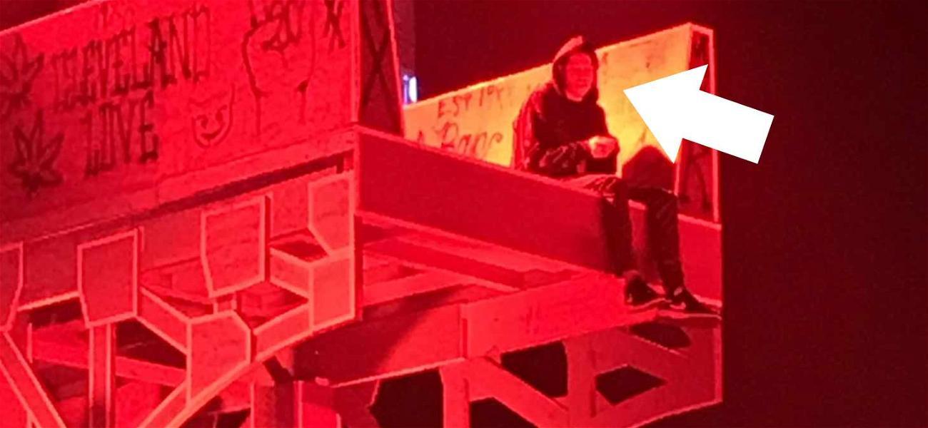 Pete Davidson Chills on Stage While Buddy Machine Gun Kelly Performs