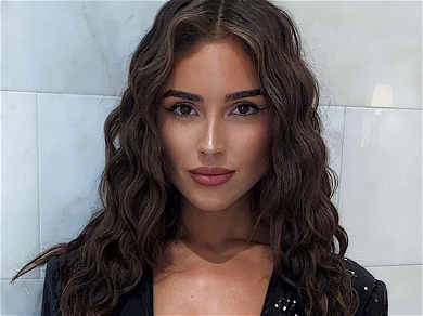 Olivia Culpo Kisses 2020 Goodbye In Shirtless Jacket Without Bra