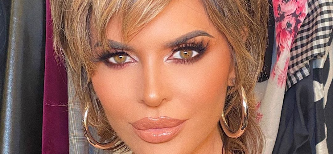 'RHOBH' Star Lisa Rinna Drops On All Fours Unleashing Inner Lioness