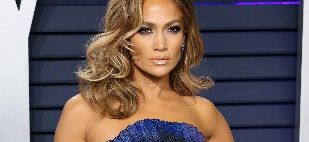 Jennifer Lopez Flawless In Slit Dress Without Visible Undies