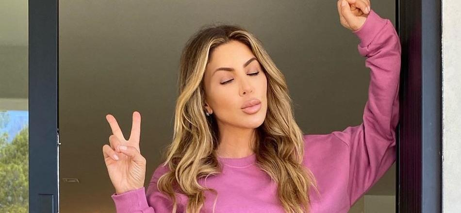 Larsa Pippen Chills Poolside On Blackout Tuesday, Roasts Chickens In L.A. Mansion