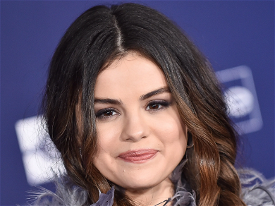Selena Gomez Gets A New Cute Collarbone Tattoo