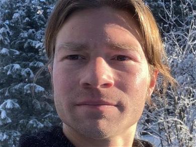 'Alaskan Bush People' Bear Brown Sends Holiday Joy After Crazy Year