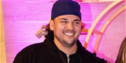 Rob Kardashian Looks Slim While Showing Off Massive Weight Loss In New Photo