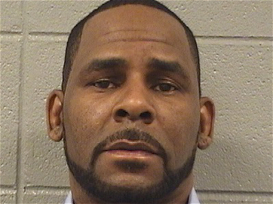 Alleged Child Sex Abuser R. Kelly Cries Over Solitary Confinement
