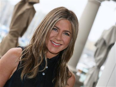 Jennifer Aniston Reveals How She Deals With The Paparazzi