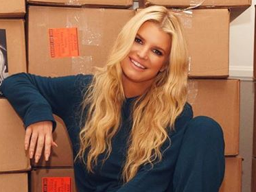 Jessica Simpson Drives Fans Wild in Fuzzy Slippers While Showing Off Bean Dip