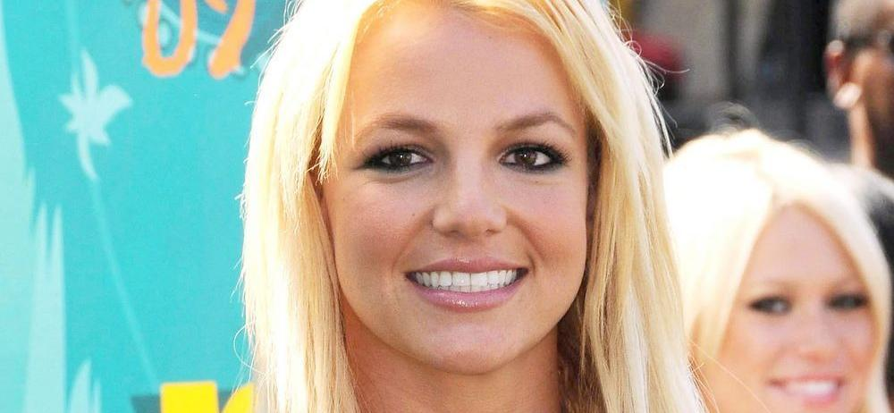 Britney Spears Twirls Dizzyingly Fast With Short Shorts Energy
