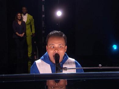 'AGT' Star Kodi Lee Stuns Crowd With Tear-Jerking Performance of Paul Simon Song