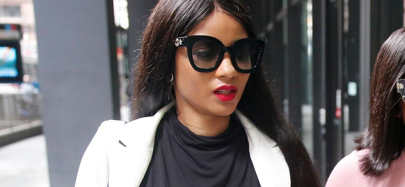 R. Kelly's Girlfriend Joycelyn Savage Moves Out Of Singer's Luxury Condo Into Modest Pad