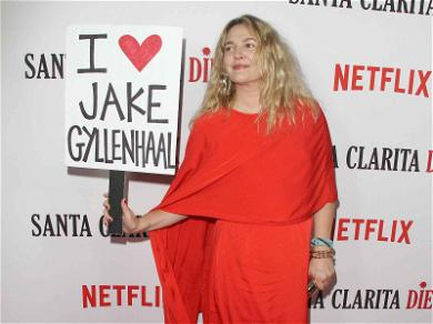 Drew Barrymore Holds 'I ❤️ Jake Gyllenhaal' Apology Sign