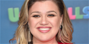 Kelly Clarkson Explains Having Name Yelled During Waxing