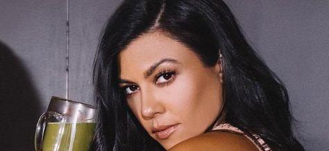 Kourtney Kardashian Ditches Pants To Flaunt Skimpy SKIMS To Help Kim Out