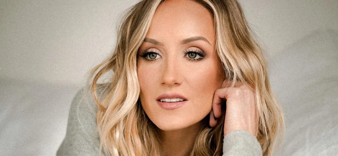 Nastia Liukin Flaunts INSANE Body In Plunging Neckline With Ample Cleavage
