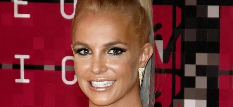 Britney Spears Wows In Bikini With 'Lioness' Energy