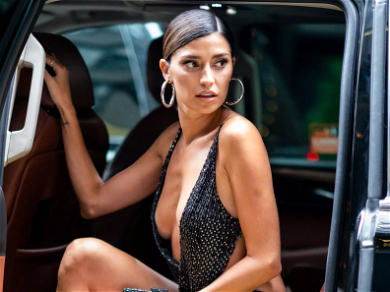 NFL Wife Nicole Williams Flaunts Jaw-Dropping Swimsuit Body On Miami Beach