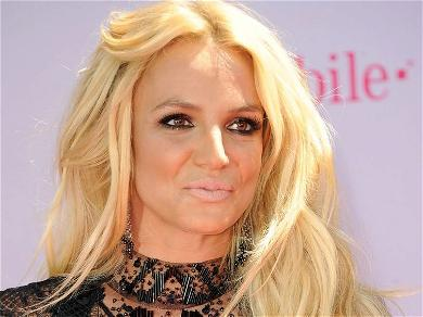 Britney Spears Opens Wide For Private Jet Bedtime