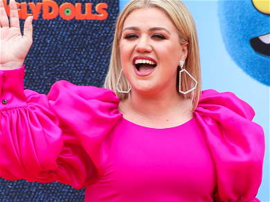 Kelly Clarkson Unrecognizable 37 Pounds Thinner On L.A. Beach