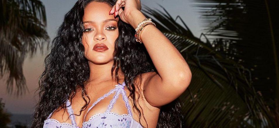 Rihanna Continues Love Affair With Bling & Blunt On Instagram