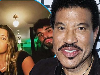 Lionel Richie Shares Cute Selfie With Kids Sofia & Miles But Who Took The Pic?