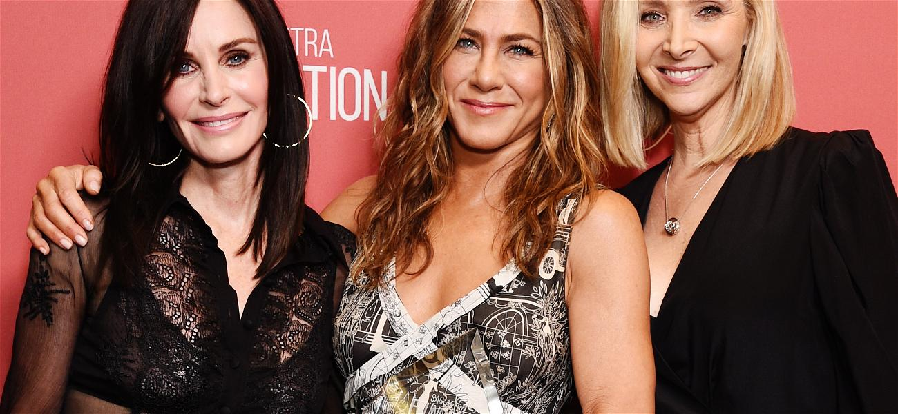 Jennifer Aniston Host Ellen and Goes To The Friends Set To Surprise Fans